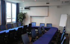"""Sala konferencyjna """"Niebieska"""""""