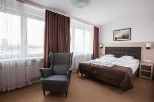 hotellogos-wwa-gal02-02-pokoje