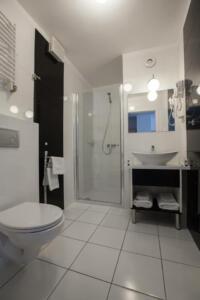 hotellogos-wwa-gal02-04-pokoje