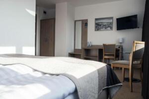 hotellogos-wwa-gal02-08-pokoje