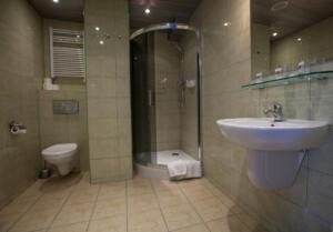 hotellogos-wwa-gal02-15-pokoje