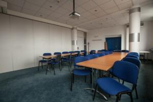 hotellogos-wwa-gal03-03-konferencyjna-niebieska
