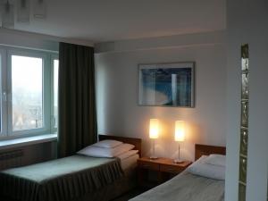 hotel_logos_waw_019
